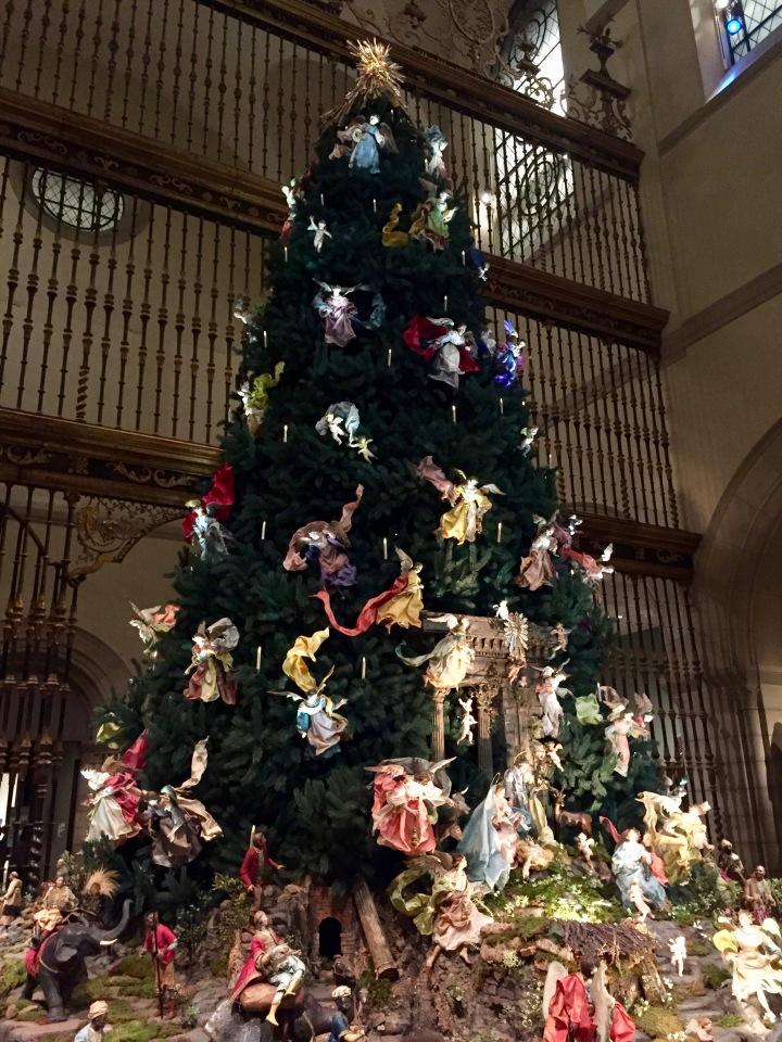 Met Christmas tree New York City