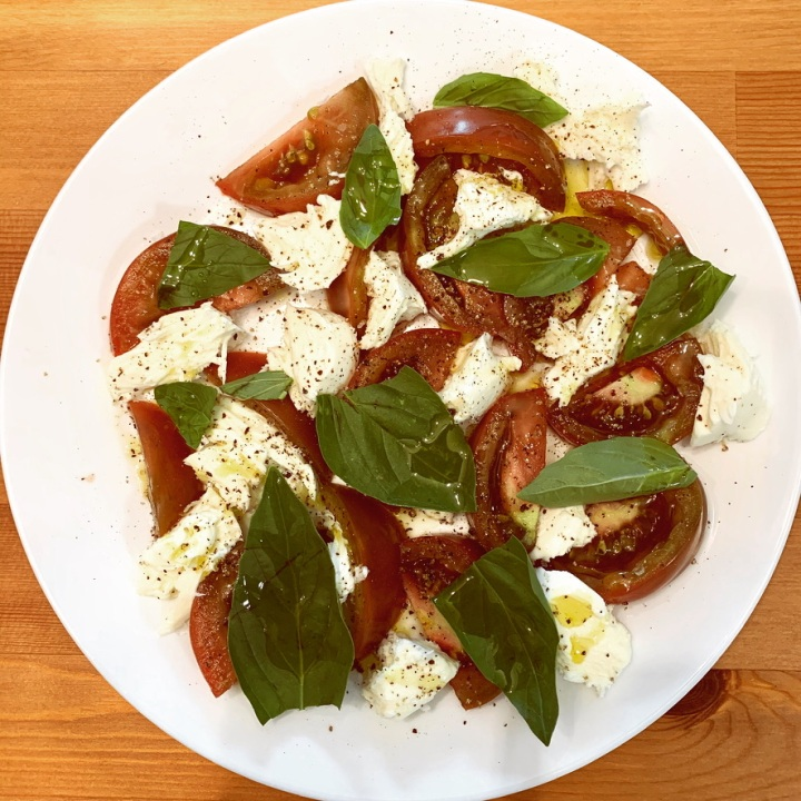 Easy breezy Caprese salad