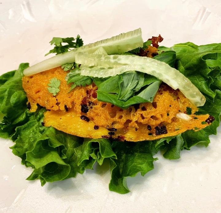 Bánh xèo: Vietnamese friedpancakes